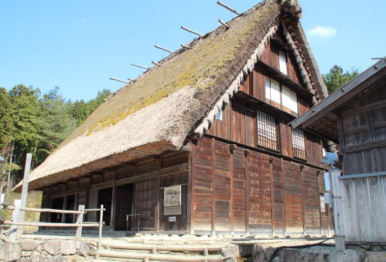昔の日本の家屋