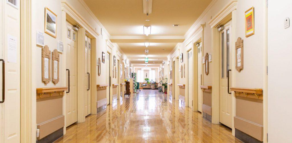 入院病棟の廊下